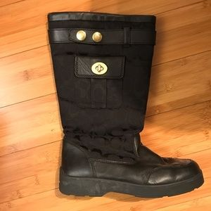 Coach snow boots, black.